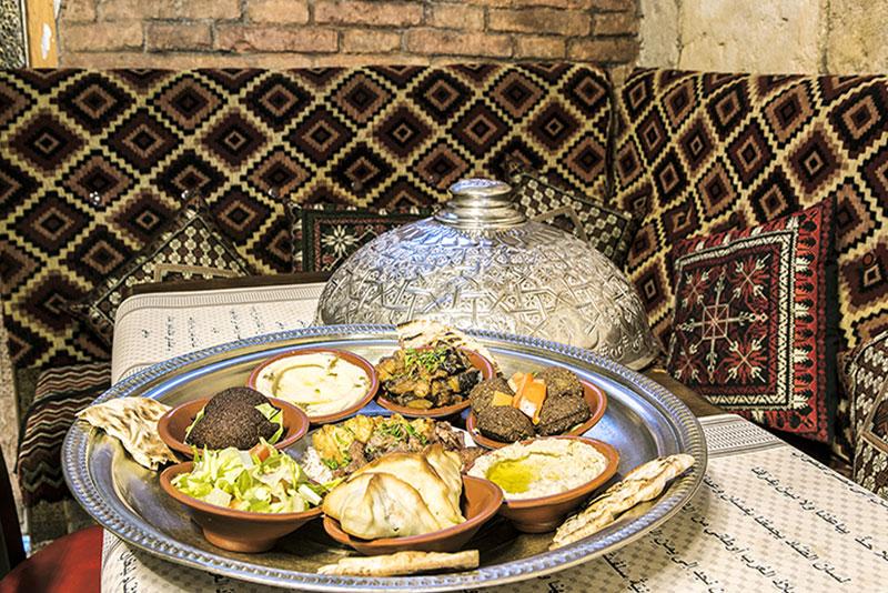 Plato 2 de comida arabe, libanesa y marroqui. Cocina tradicional restaurante arabe barcelona