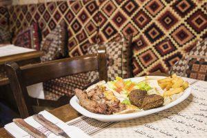 Plato-1 de comida arabe, libanesa y marroqui. Cocina tradicional restaurante arabe barcelona